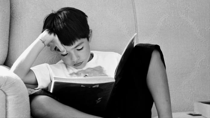 صورة يوميات كورونا.. لماذا عليك تعليم أطفالك كتابة مذكراتهم؟