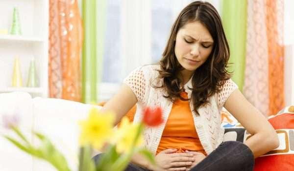 صورة أعراض الدورة الشهرية و تأثير التوتر والعصبية عليها