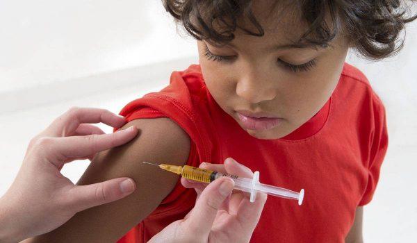 صورة تعرفي على الحالات التى يتم فيها تأخير التطعيم لطفلك