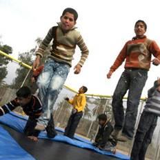 """صورة أطباء يحذرون من خطر """"الترامبولين"""" على الأطفال"""