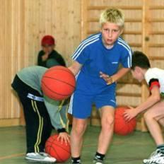 صورة الرياضة تقي الأطفال أمراض القلب والبدانة