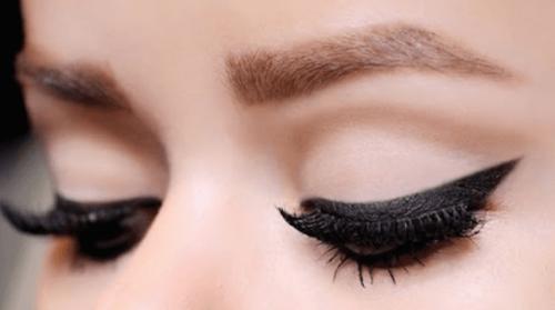 صورة 10 خدع تجميلية لزيادة جاذبية العيون