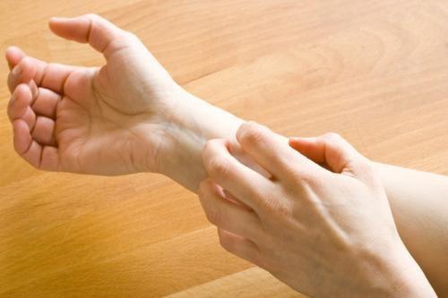 صورة 6 أعراض غريبة قد تكون مؤشرًا تحذيريًا لمعاناتك من مشاكل الأمعاء