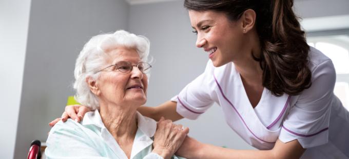 صورة طب الشيخوخة بين التطور والحاجة