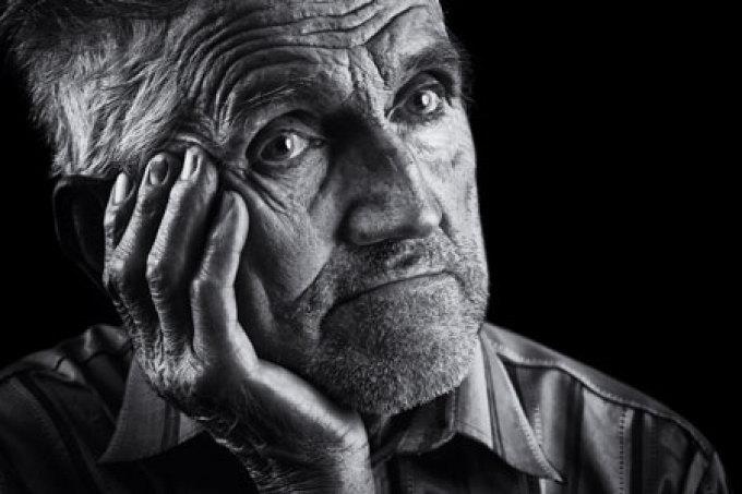 صورة الحفاظ على صحة الجسم في الكبر