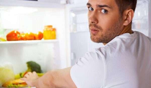 صورة اسباب الشعور بالجوع بعد فترة قصيرة من تناول الطعام