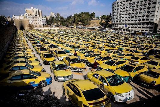 صورة تصاريح خدمة التوصيل المنزلي لـ 2676 مركبة