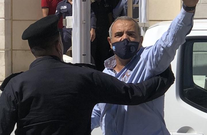 """صورة """"حماية الصحفيين"""" بالأردن يدعو للإفراج عن الرسام """"حجاج"""""""