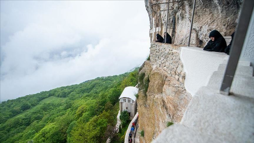 صورة الجبل الأسود.. الناخبون يقترعون في الانتخابات العامة