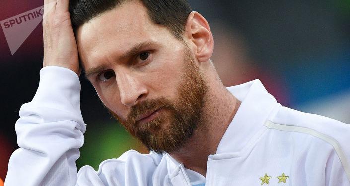 صورة رابطة الدوري الإسباني تساند برشلونة رسميا ضد ميسي