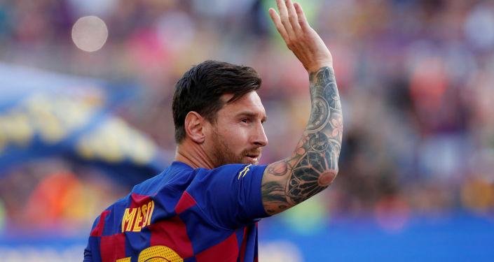 صورة وكالة: ميسي ينفذ تهديده بإجراء يقربه أكثر من ترك برشلونة