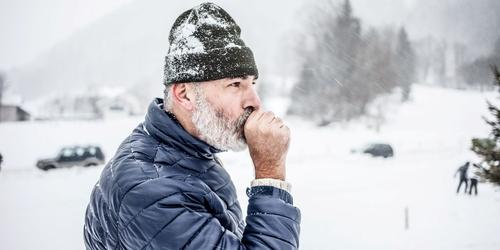 صورة هل هناك ارتباط بين برودة الطقس وخطر الإصابة بالأزمات القلبية؟