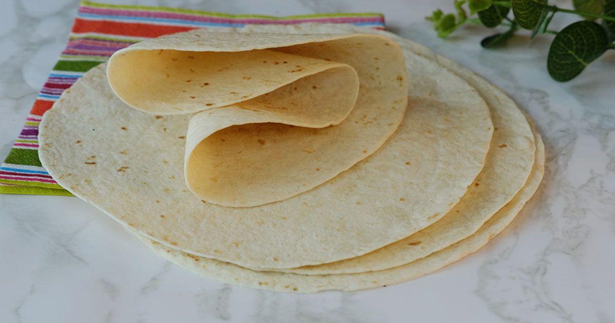 صورة خبز التورتيلا الكبير