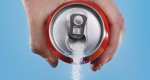 صورة تناول المشروبات الغازية بعد ممارسة الرياضة يمكن أن يضر بالكليتين