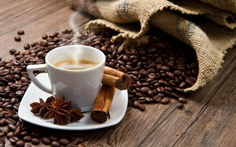 صورة تناول 4 أكواب من القهوة يحمي القلب