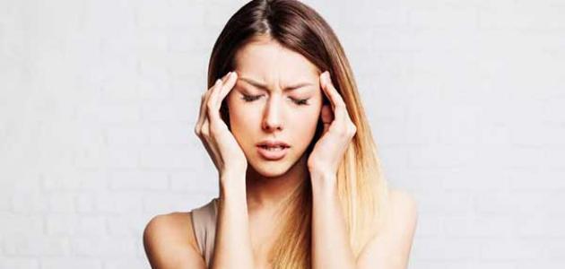 صورة أعراض الجيوب الأنفية على الرأس