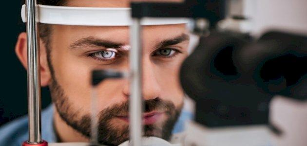 صورة أعراض تلف شبكية العين