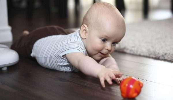 صورة الطفل في الشهر الرابع .. كيف يكون نومه وتغذيته؟ وما أهم التطعيمات؟