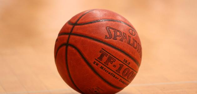 صورة ما عدد لاعبي كرة السلة
