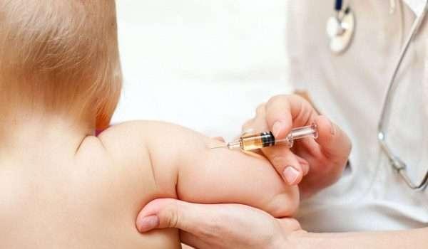صورة أهمية تطعيم التهاب الكبد الوبائي (ب) لطفلك.. وهل له أعراض جانبية؟