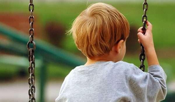 صورة كيفية التعامل مع الاطفال خاصة الطفل الخجول ! نصائح ذهبية