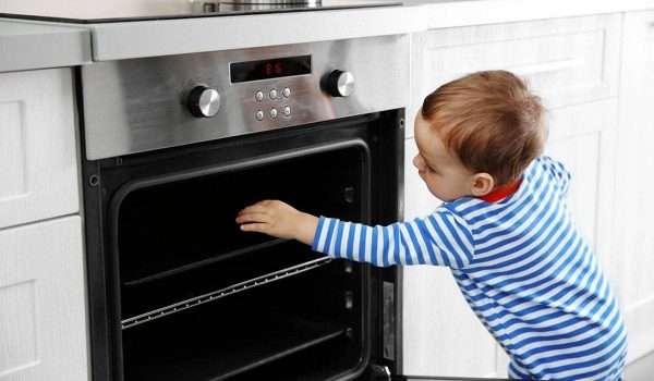 صورة ما هي أشهر أسباب الحروق عند الاطفال ؟ احذر منها