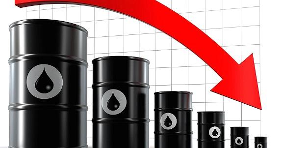 صورة ستاندرد أند بورز تخفض توقعها لأسعار النفط