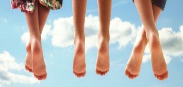 صورة أعراض لمشاكل صحية مختلفة تظهر على القدمين