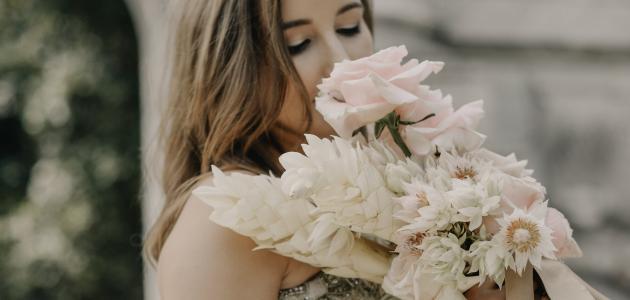 صورة نصائح لتنسيق ألوان الملابس للعروس