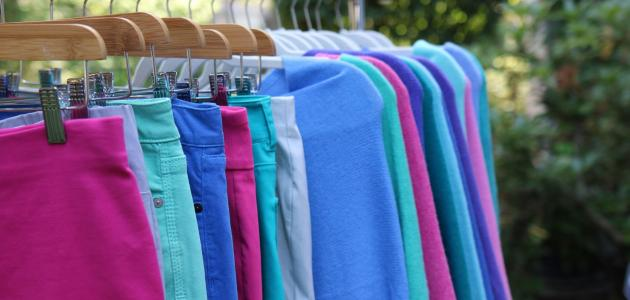 صورة نصائح لتنسيق ألوان الملابس للمراهقات