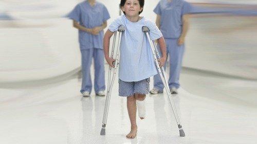 صورة مسكن الألم الأفضل في حالات كسور الأطفال