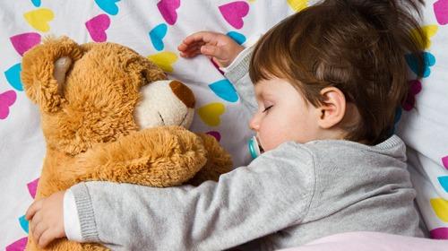 صورة قيلولة الأطفال بعد سن الثانية