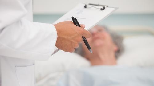 صورة ما تأثير أدوية حرقة المعدة على الكلى لفئة كبار السن؟