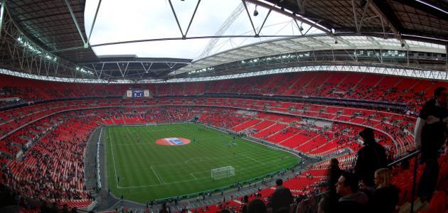 صورة ما هو اسم أشهر ملعب في إنجلترا